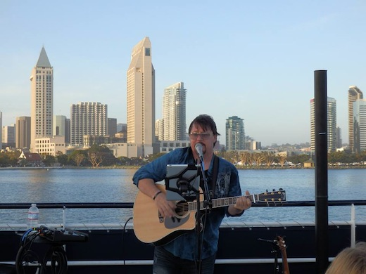 Acoustic guitar player on the Hornblower Cruises and Events.