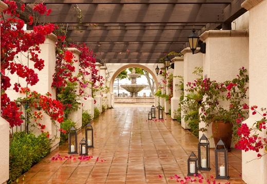 Walkway of the Kona Kai Resort & Marina.