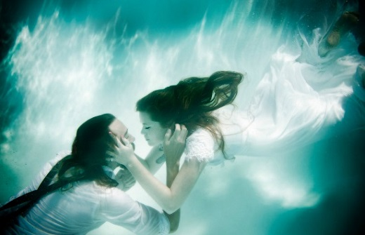 Shirock Photography photographed this unique underwater wedding.