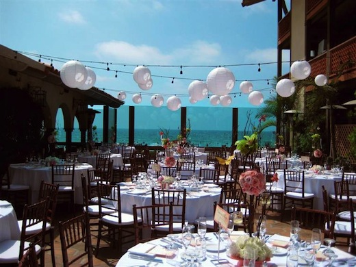 Sunny outside wedding reception at the La Jolla Shores Hotel.