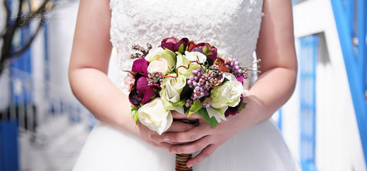 The do's and don'ts of wedding flowers