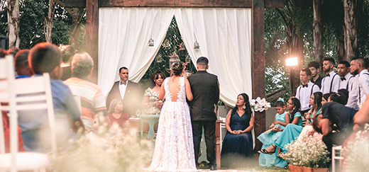 How to Hire a Wedding Musician